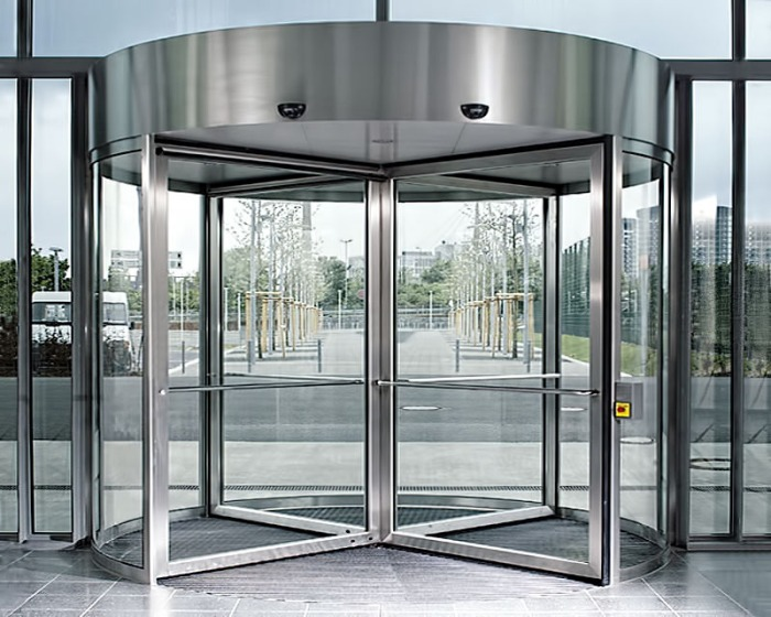Single revolving door