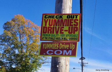 72-signs-uxbridge-town-autumn-ga-10122016_088