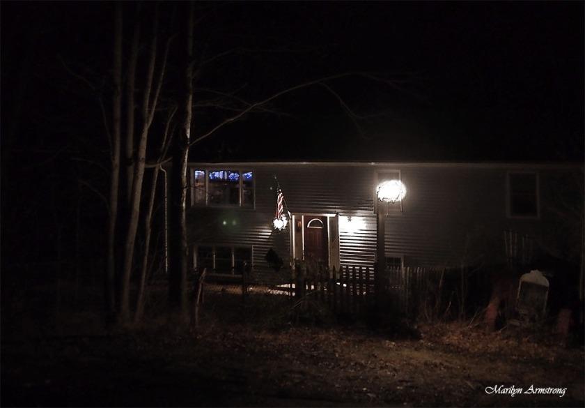 300-night-home-xmas-lights-19122016_050