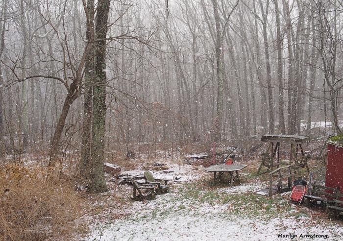 300-snow-flurries-30122016_02