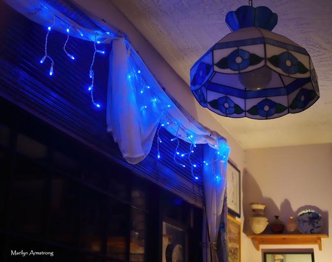 72-blue-lights-christmas-07122016_05