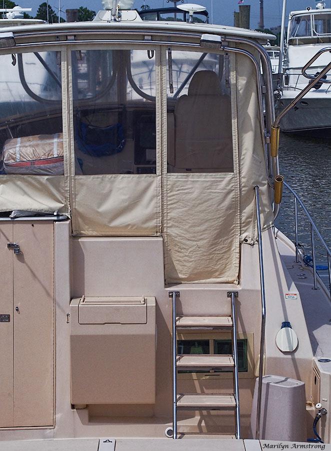 72-boat-ladder-marina-062014_025
