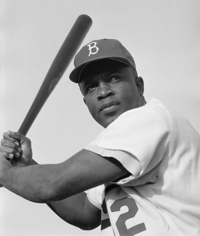 jackie_robinson_brooklyn_dodgers_1954-resized