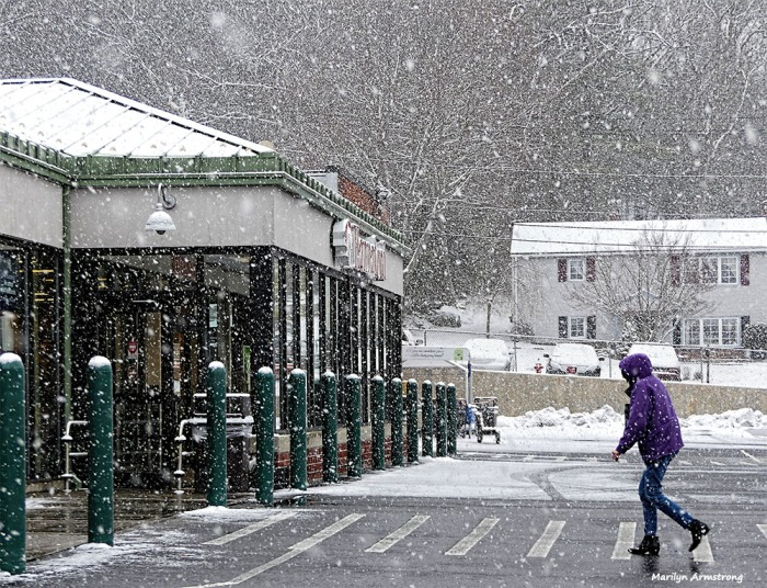 180-hannaford-snow-falling-310117_002