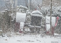 180-tractor-snow-falling-310117_021