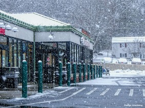 180-hannaford-snow-falling-310117_004