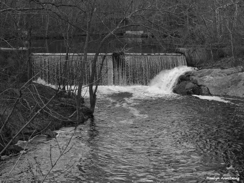 180-bw-waterfalls_20170303_035