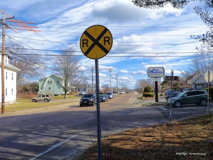 180-railroad-sign_20170303_031
