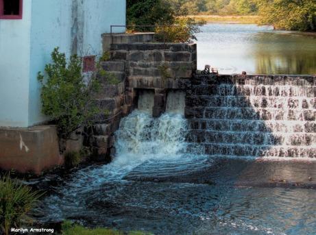 300-Earliest-Autumn-Mumford-Dam-090517_017