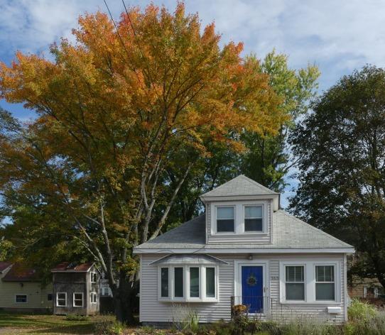 180-Blue-Door-Orange-Foliage-4-FZ-101117_012