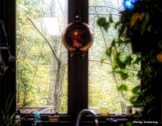 300-kitchen-window-oil-morning-october-oly-ma-100817_003