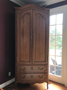 Wood hutch closed, ready for leaning