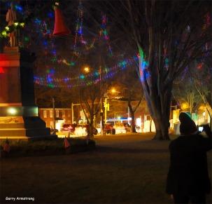 300-marilyn-uxbridge-common-christmas-gar-12202017_022