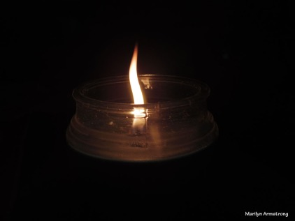 300-One-Candle-Candlelight-1-12132017_08
