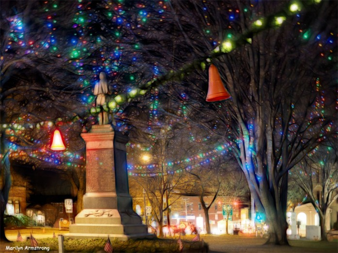 300-small-town-ne-common-christmas-ma-12202017_032