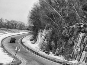 180-BW-Graphic-Icy-Rocks-Pike-Roads-03202018_433