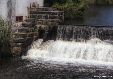 180-Painting-Steps-Mumford-Dam-Uxbridge-05112018_050