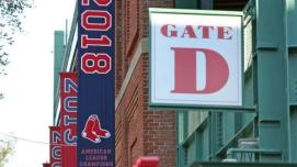 Fenway-red-sox-2018-al-pennant-101918