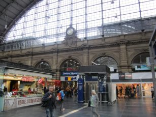 Frankfurt station food
