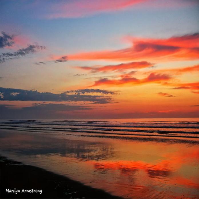 300-Square-Sunrise over Ogunquit-Rosy-Dawn -001