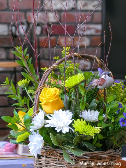 180-Vertical-Full-Birthday-Bouquet-Basket-03112019_002