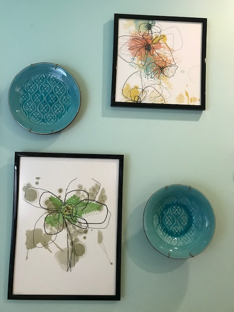 Another detail of plates mixed with prints