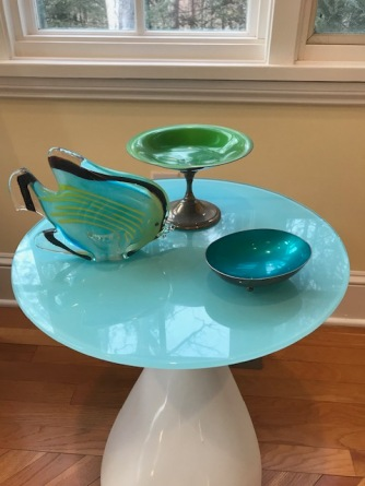 Two more mid-century modern candy dishes in my dining room
