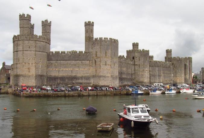 Caernarfon castle.jpg