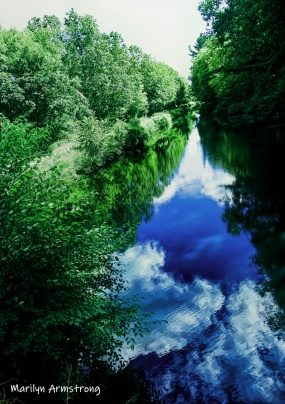 180-Bright-Clouds-reflect-Canal-MA-Early-Sept-09082019_056