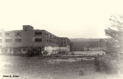 180-BW-Abandoned-Factory-Trains-Owen-06072013_132