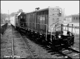 180-BW-Pulling-out-of-yard-Trains-Owen-06072013_139
