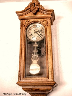 Wall chiming clock, living room