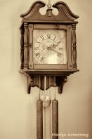 Dining room wall chiming clock