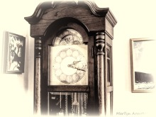 300-bw-grandfathers-clock-upstairs_03122020_006
