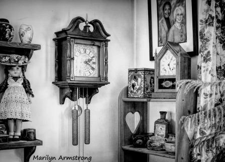 300-bw-two-clocks-upstairs_03122020_007