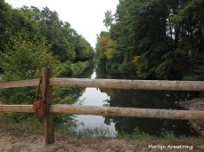 300-fence-canal-camera-bag-early-foliage-mar_092420_116