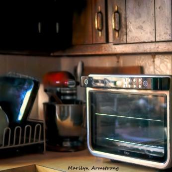 300-oven-mixer-kitchen_012421_0004