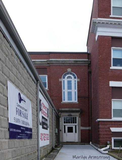 300-Doorway-East-Providence-1-13_011321_0009